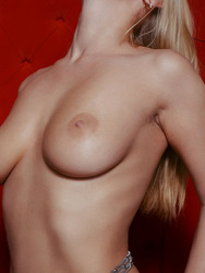 Blonde Sarika Naked Posing And Shows Her Hairy Pussy