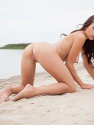 Naked Teen Niemira On The Beach
