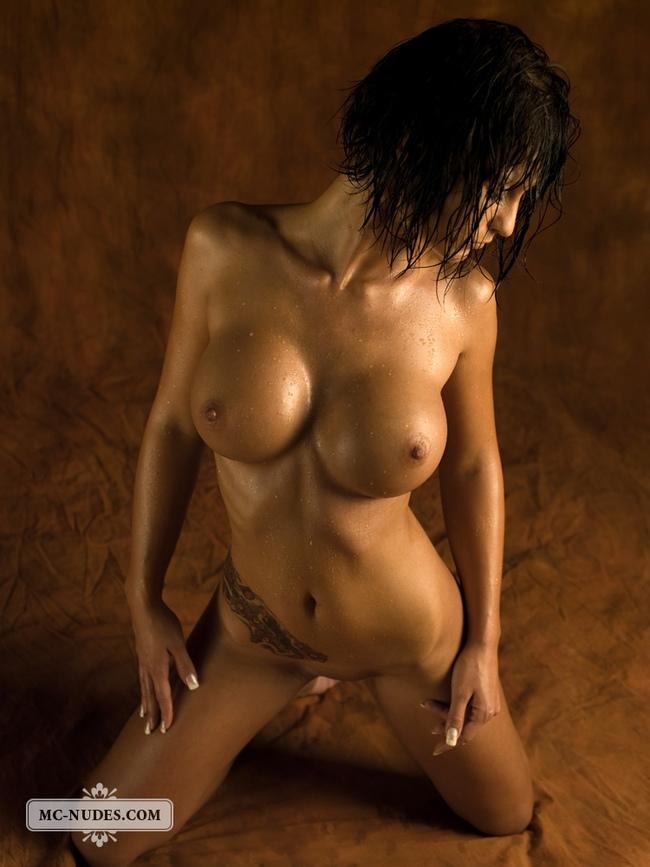 Hot Naked Girl Posing So Sexy 10