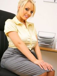 Sexy Blonde Shows Her Huge Boobs In The Office