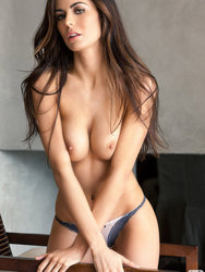 Audrey Nicole Gorgeous Brunette Gets Naked