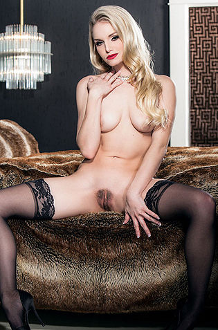 Liz Ashley In Hot Stockings