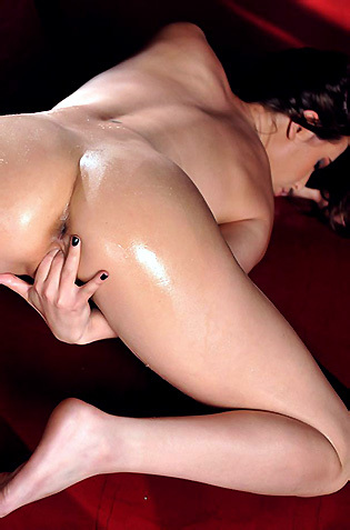 Sexy Brunette Masturbating
