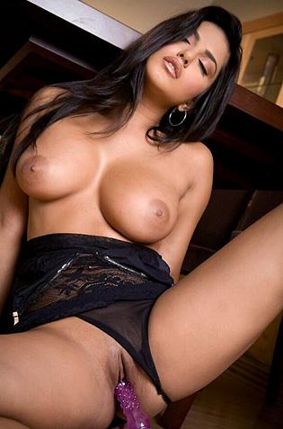 Busty Pornstar Sunny Leone Toying