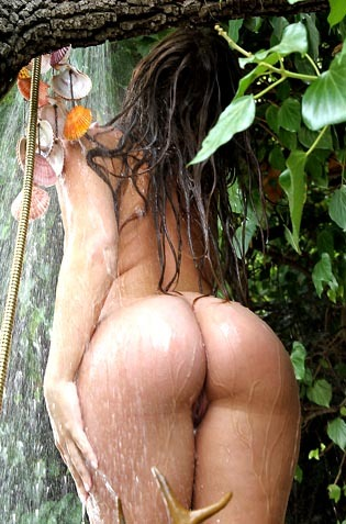 Maddy O'Reilly Showering Her Gorgeous Round Ass
