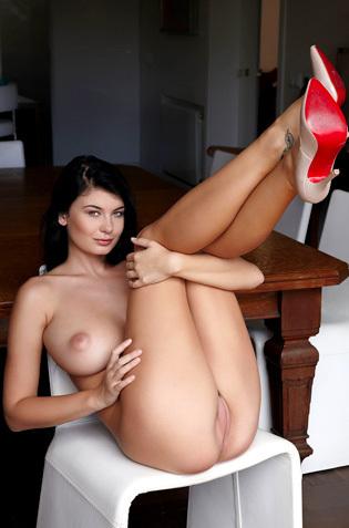 Amazing Busty Lucy Li