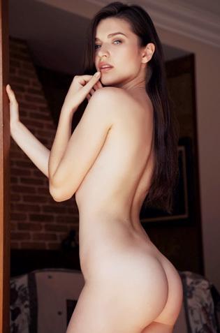 Amazing Beauty Serena Wood