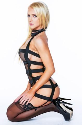 Sexy Pornstar Alix Lynx