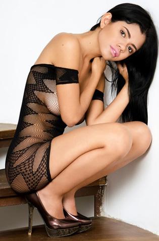 Sexy Latina Teen Lea