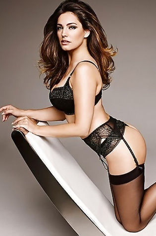 Sexy Voluptuous Star Kelly Brook From The Uk