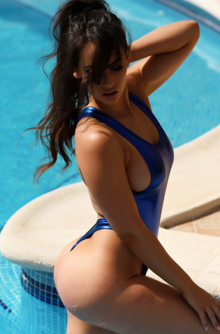 Hot Assed Babe Anastasia Harris Slips Out Of Her Sexy Swimsuit