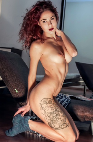 Sexy Redhead Chick Callista Fingers Her Horny Pussy