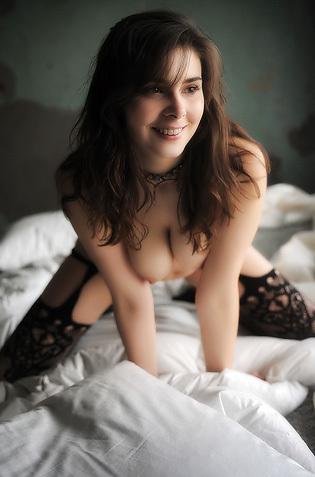 Amelie Belain