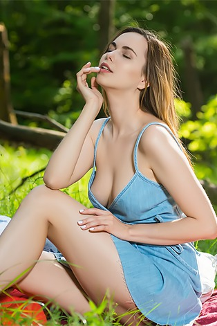 Naughty Nasita revels in getting naked outdoors