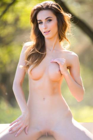 Stunning Ukrainian brunette Cara Mell